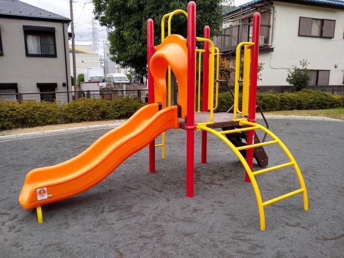 綱島ヒコーキ公園滑り台