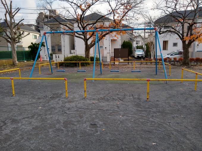 綱島東2丁目公園ブランコ
