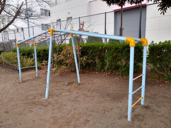 親和会子供の遊び場 遊具