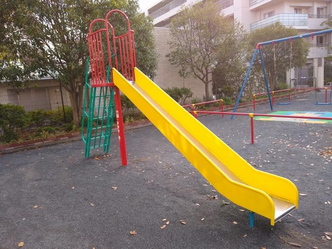 綱島上町公園滑り台