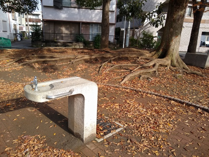 綱島東3丁目公園 水道