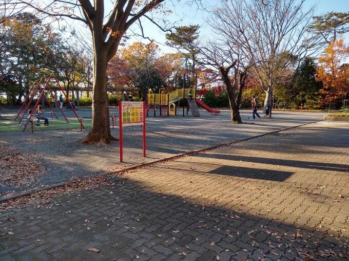 綱島公園広場