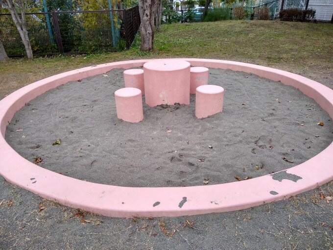 ヒコーキ公園砂場