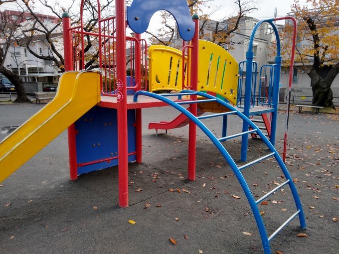 綱島西6丁目公園複合遊具