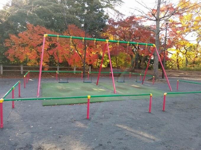綱島公園遊具ブランコ