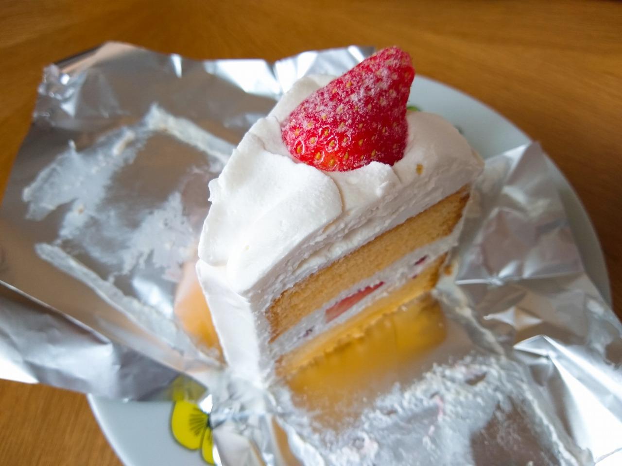 イーツホールのショートケーキ