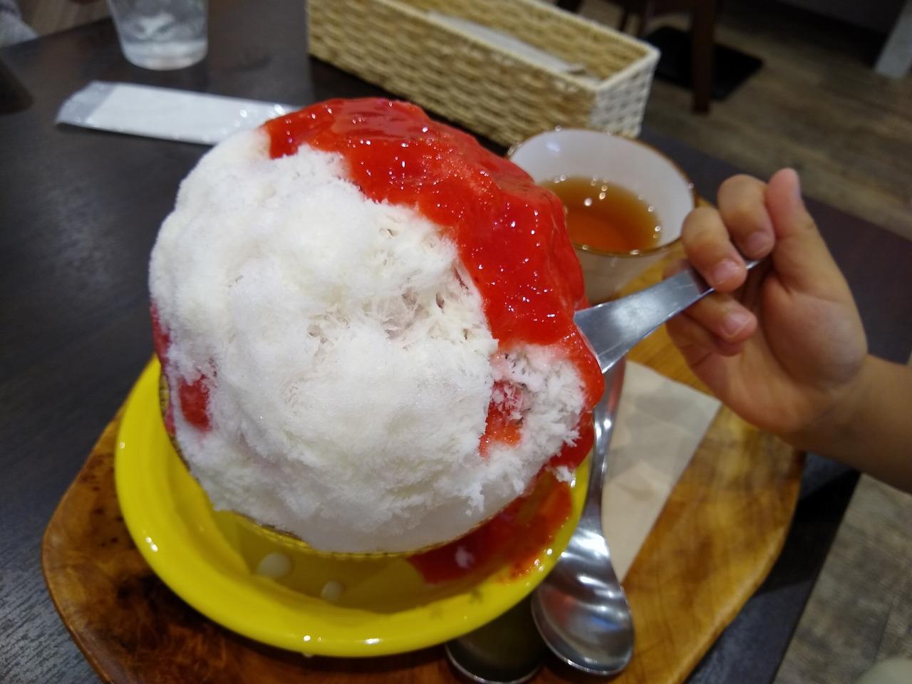 ハンドレッドフルーツかき氷いちご