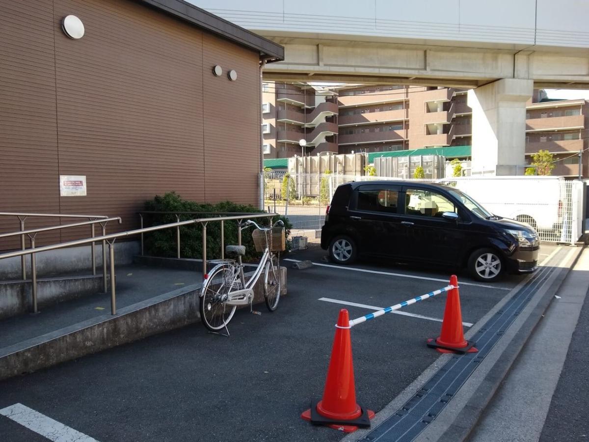 ブレッドボックス北新横浜店駐車場