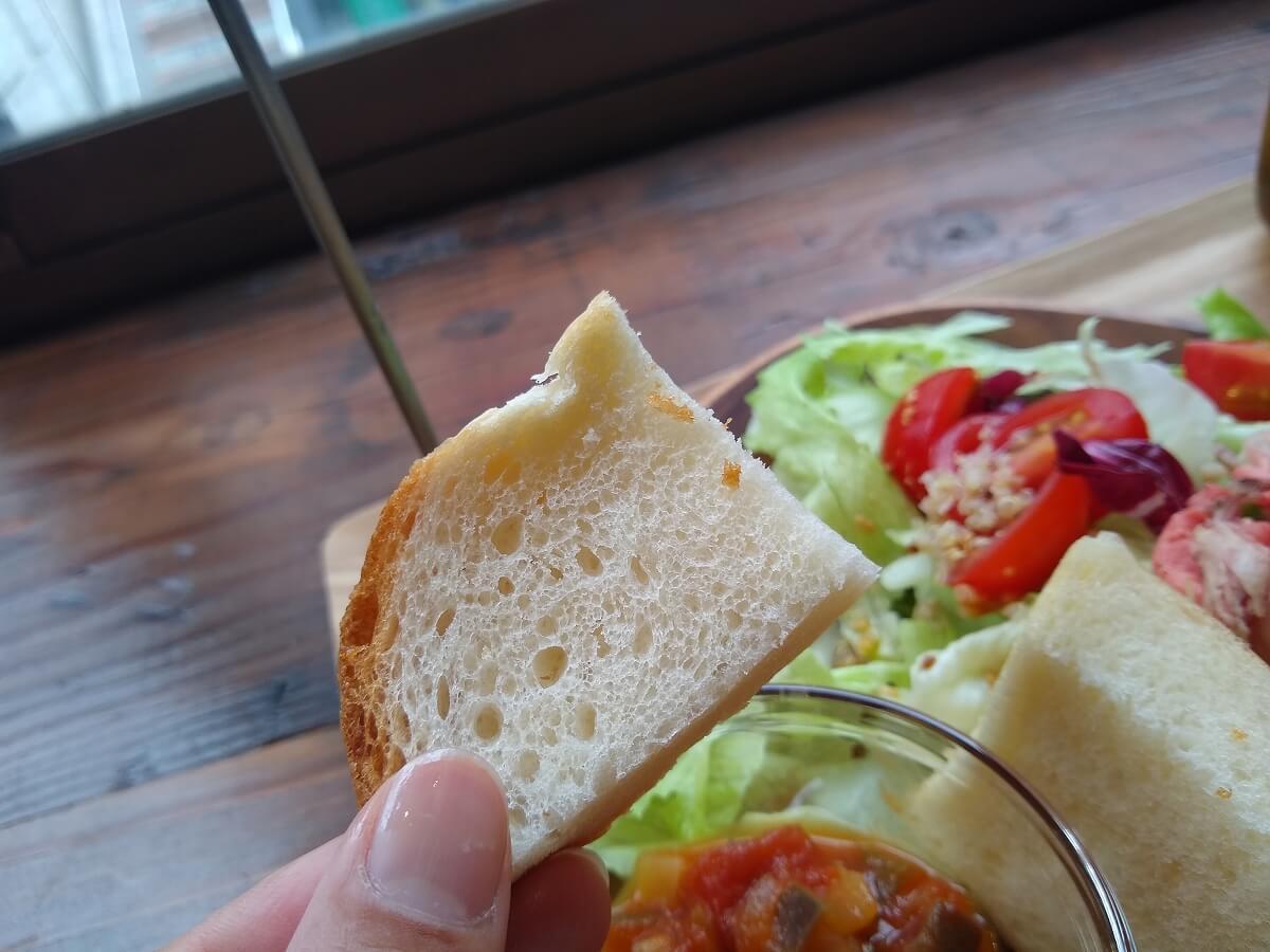 poccolaのプレートセットのパン