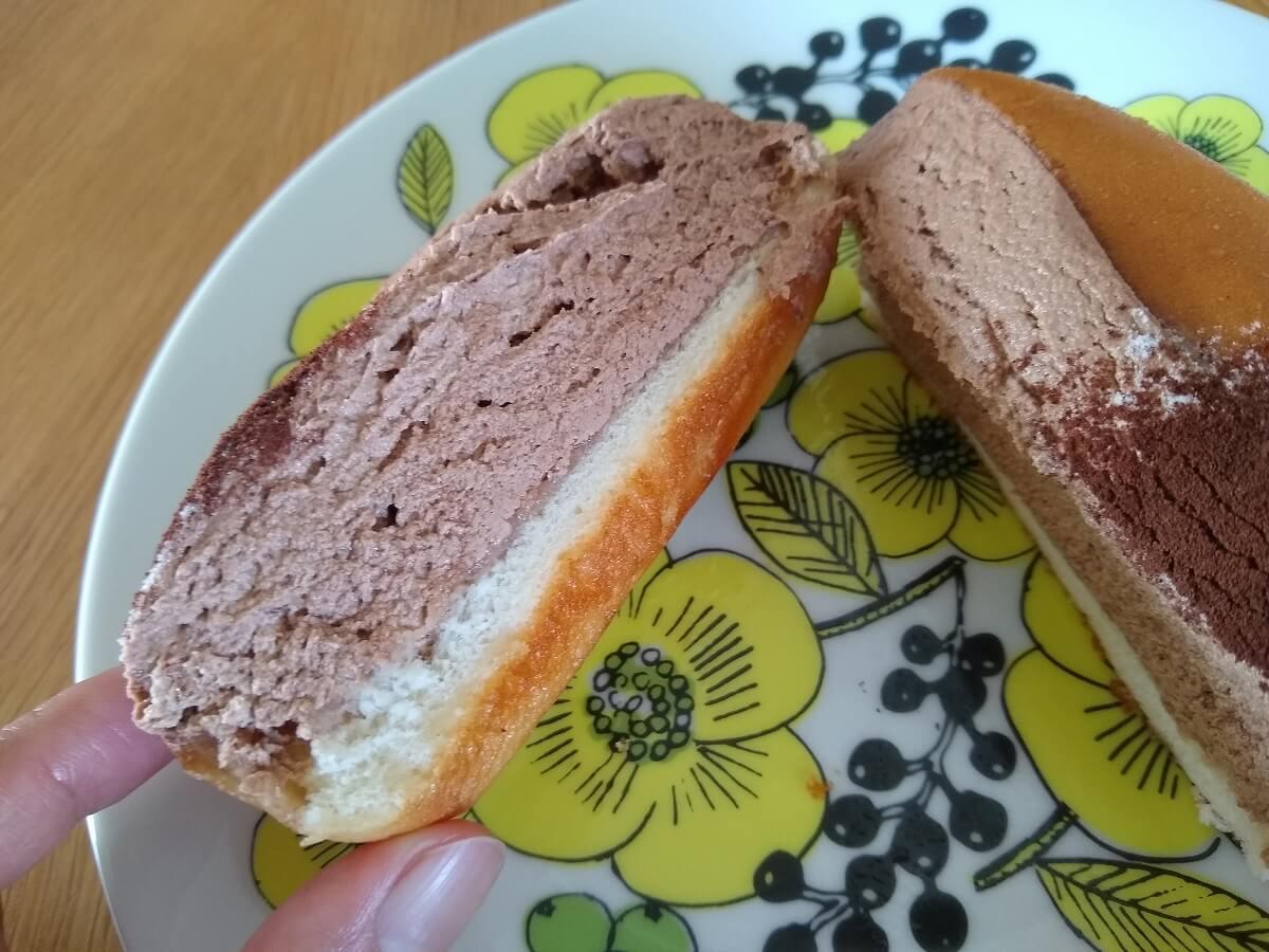 パンの田島たっぷリッチコッペチョコクリーム