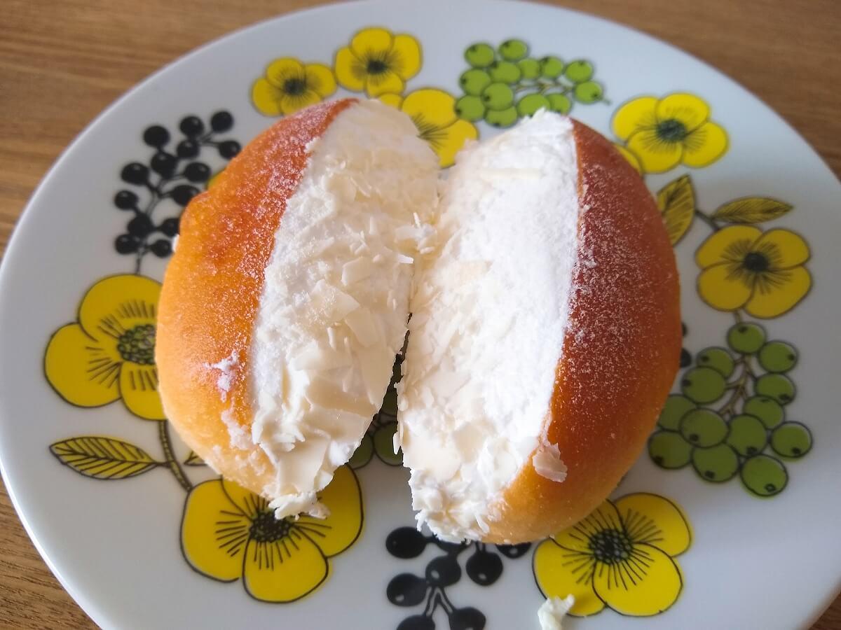 たっぷリッチコッペレアチーズクリーム
