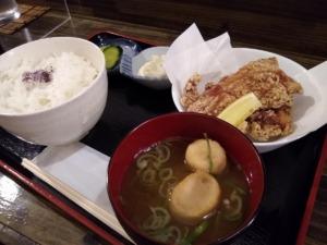 もつ焼き良樽町店ランチ唐揚げ定食